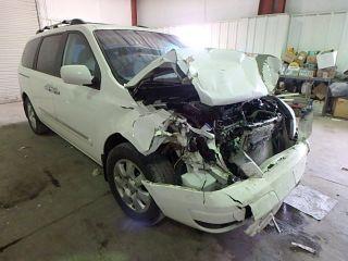 Hyundai Entourage 2008