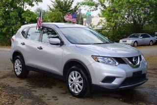 Used 2017 Nissan Rogue S in Hollywood, Florida