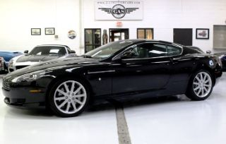 Aston Martin DB9 Base 2006