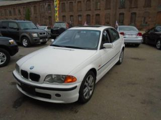 Used 2001 BMW 3 Series 330i in Fitchburg, Massachusetts