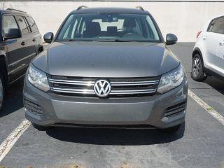 Volkswagen Tiguan S 2016