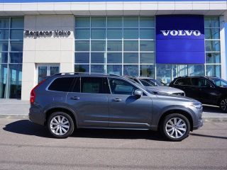 New 2018 Volvo XC90 T5 Momentum in Metairie, Louisiana